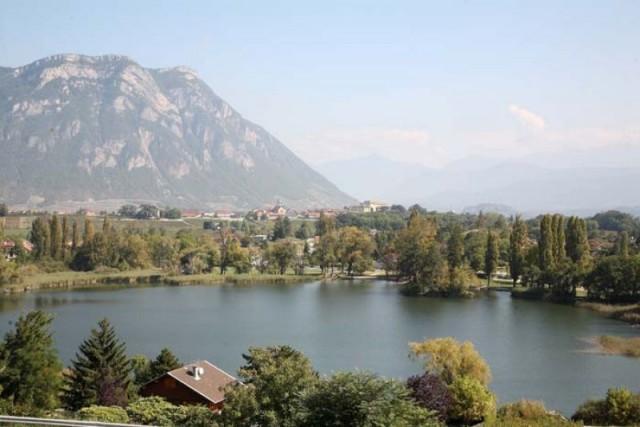Le Lac Saint André sur la commune de Les Marches